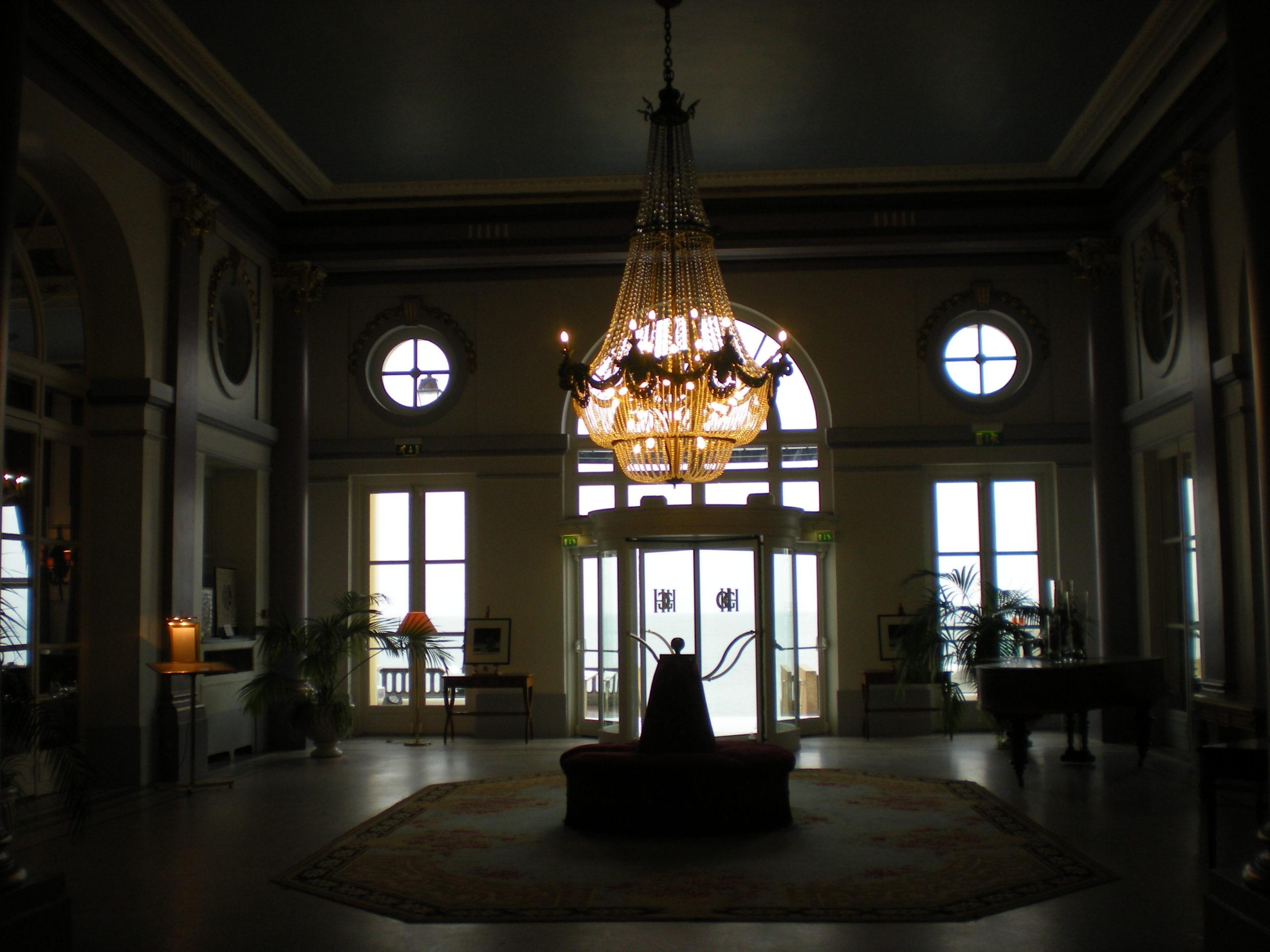 hall grand hotel de cabourg