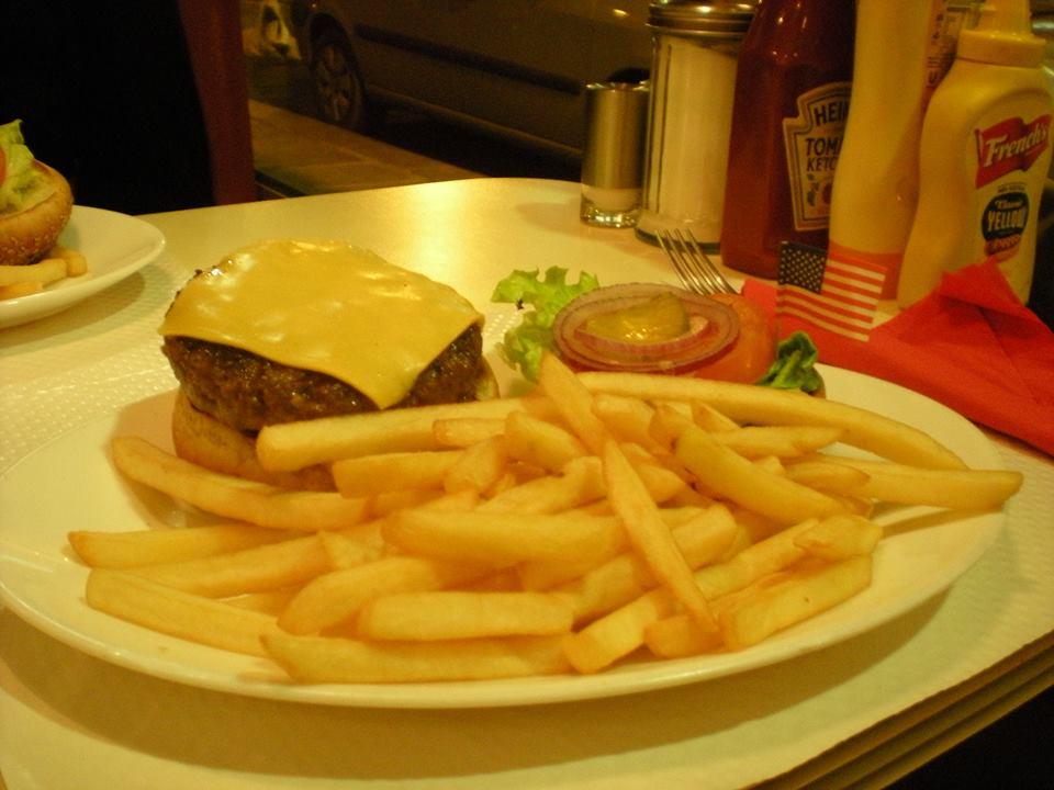 Breakfast in America Paris