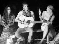 Backstages du clip de Lina Doran – Part 1, Le feu de camp