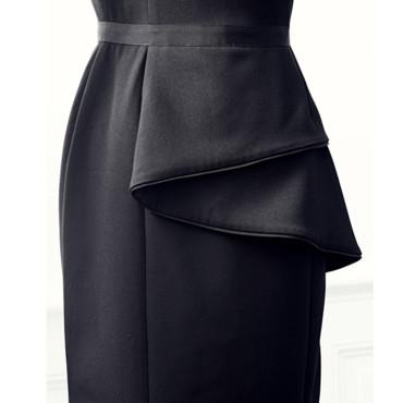 detail-petite-robe-noire-monoprix -hussein-chalayan
