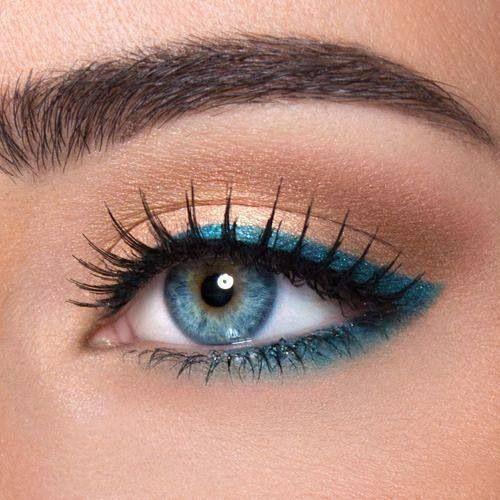 eyeliner peacock