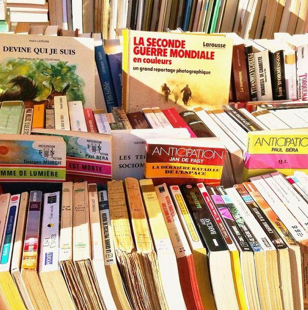 marché aux livres place st sauveur caen