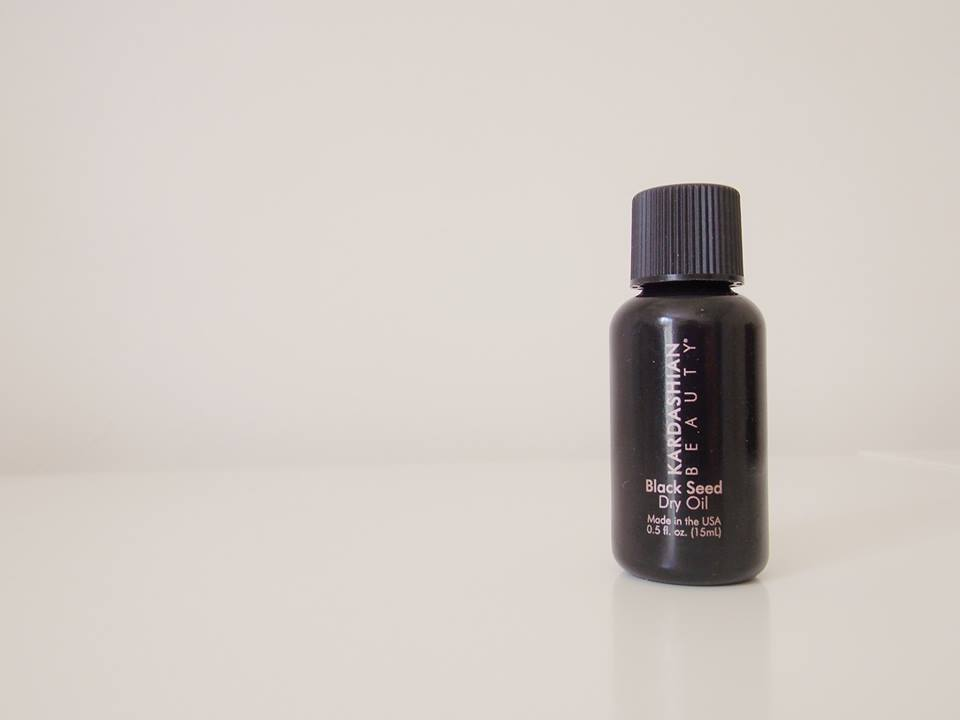 kardashian beauty hair black seed dry oil