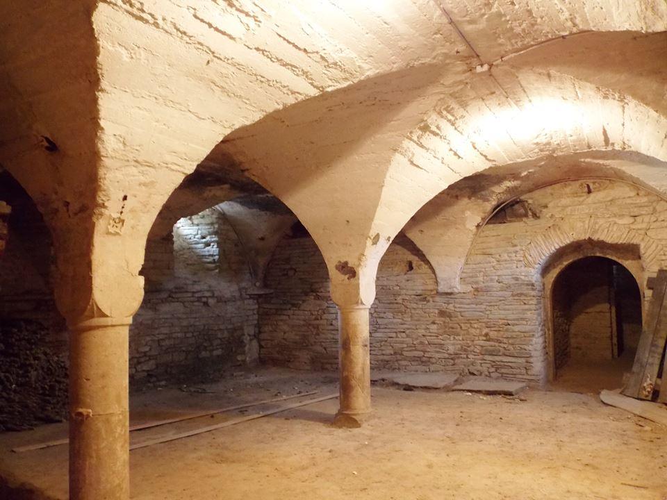 cave chateau des ravalet