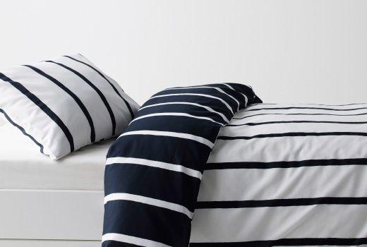 TUVBRÄCKA Housse de couette et 2 taies, noir, blanc 29,95 € Ikea