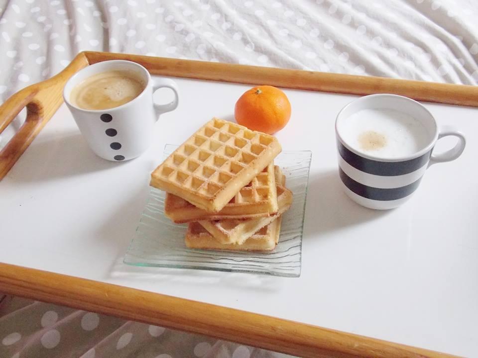 z petit déjeuner au lit
