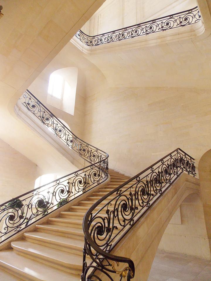 escalier mairie de caen