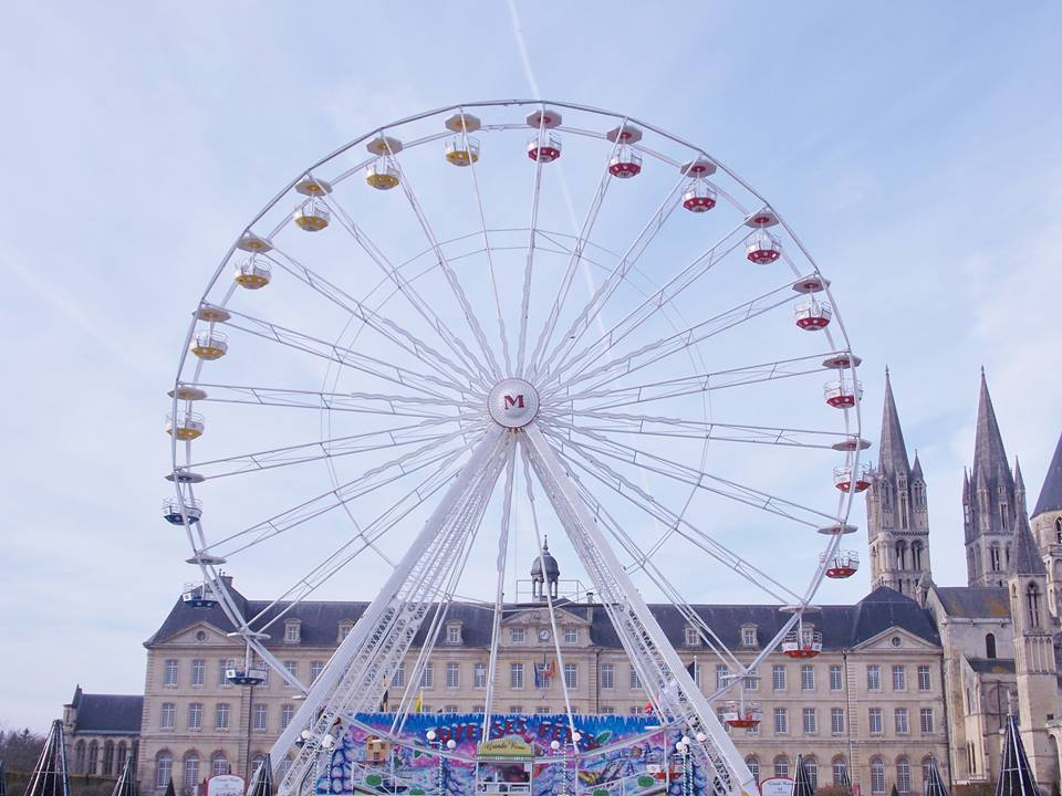 grande-roue-hotel-de-ville-caen